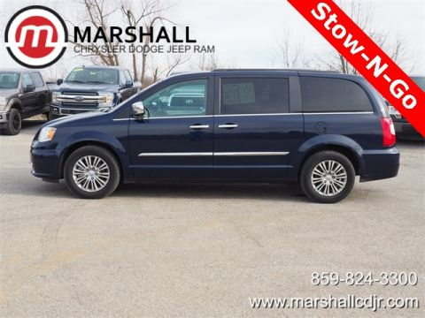 Pre-Owned 2016 Chrysler Town & Country Touring-L